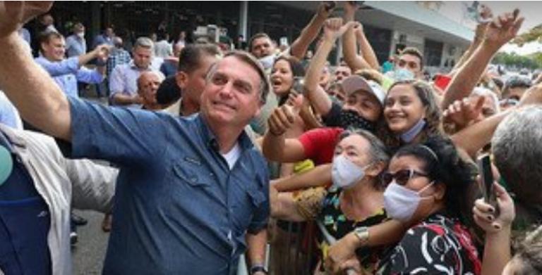 """Governadores que """"fecharem estado"""" devem pagar auxílio, diz Bolsonaro"""