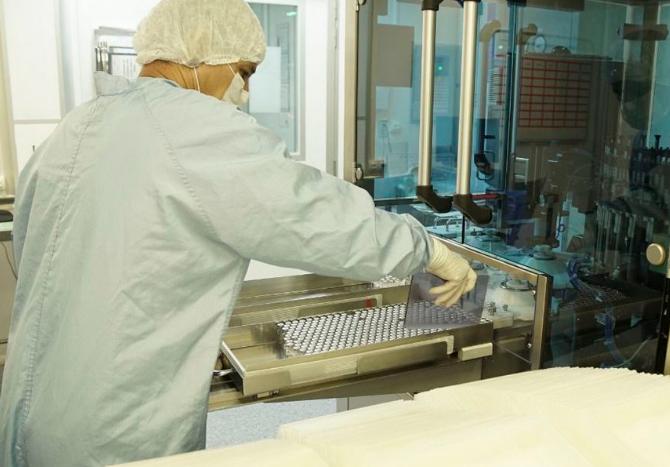 Bolsonaro anuncia a entrega de mais 18 milhões de doses de vacinas.
