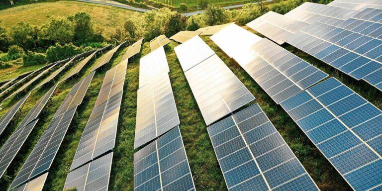 Assembleia da Paraíba aprova projeto de incentivo ao uso de energia solar no campo.