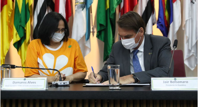 Bolsonaro lança campanha de combate à violência contra crianças e adolescentes