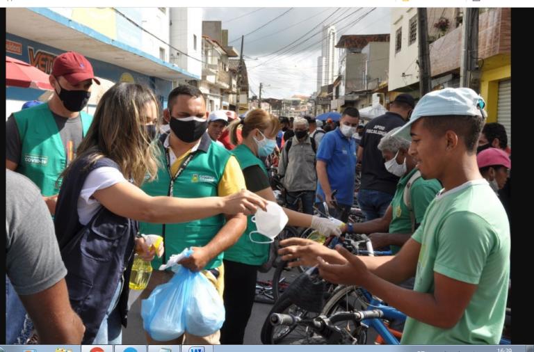 Prefeitura de Campina Grande distribui mais de quatro mil máscaras de proteção em mercados públicos da cidade