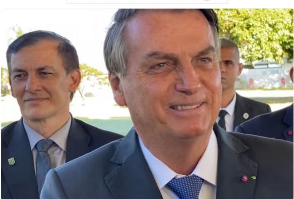 Bolsonaro revela que relatório do TCU apontou superdimensionamento no número de óbitos com Covid, em 2020.