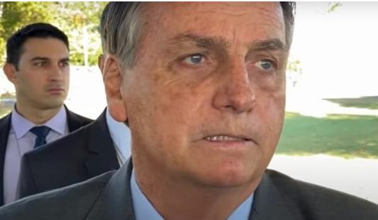 """""""O povo vai reagir em 2022 se não tivermos eleições democráticas"""" Presidente Bolsonaro."""