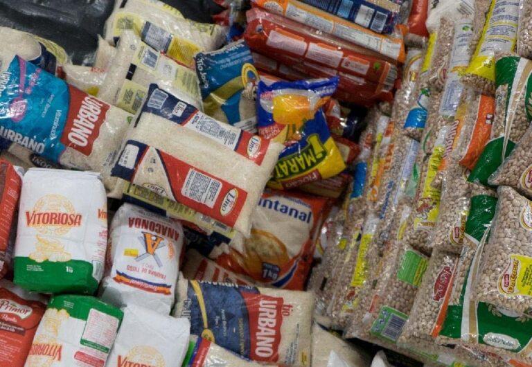 Prefeitura de Campina Grande entrega mais de uma tonelada de alimentos arrecadados nos pontos de vacinação,