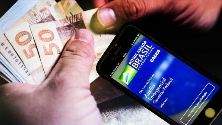 Bolsonaro inicia pagamento das parcelas extras do Auxílio Emergencial 2021, confira a tabela de pagamento.